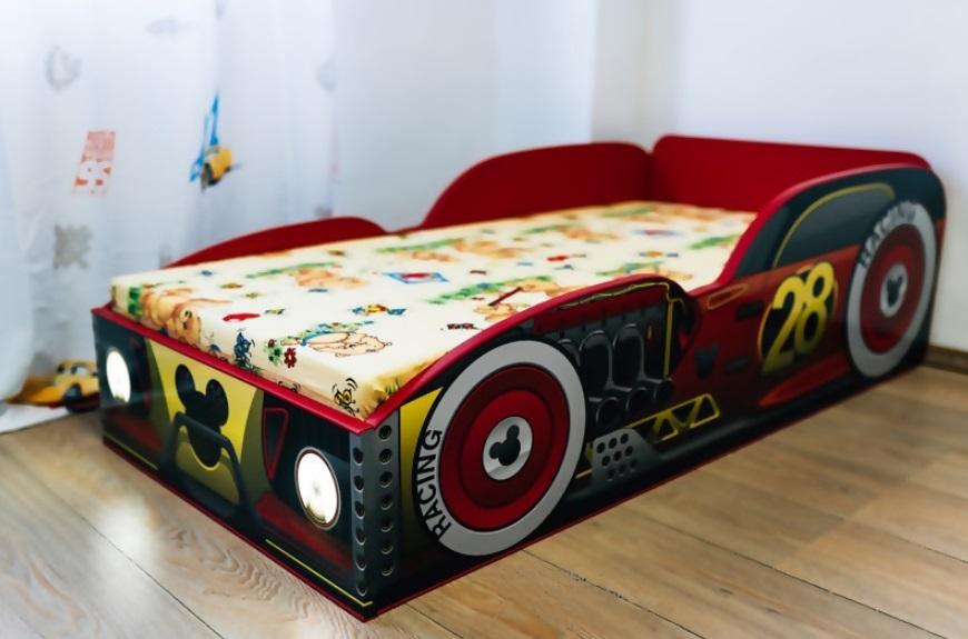 Pat copii masina Mickey cu lumini 140x70 Cm cu saltea